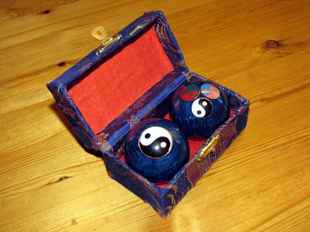 Chinese meditation balls - Baoding balls