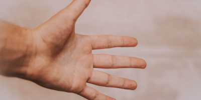 What Does it Mean When Your Left Palm Itches? Here Are The Medical and Spiritual Reasons